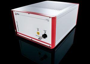 TOPTICA AG - FemtoFiber pro 控制单元配备单键开关,钥匙开关,连锁开关,12英寸机架外壳包含接口,泵浦二极管的驱动电子元件以及电源。